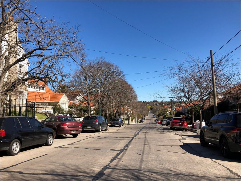 Típica calle del barrio Stella Maris