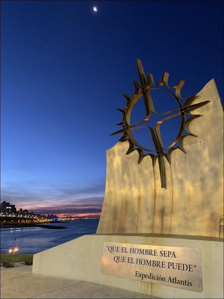 Monumento a la expedición Atlantis