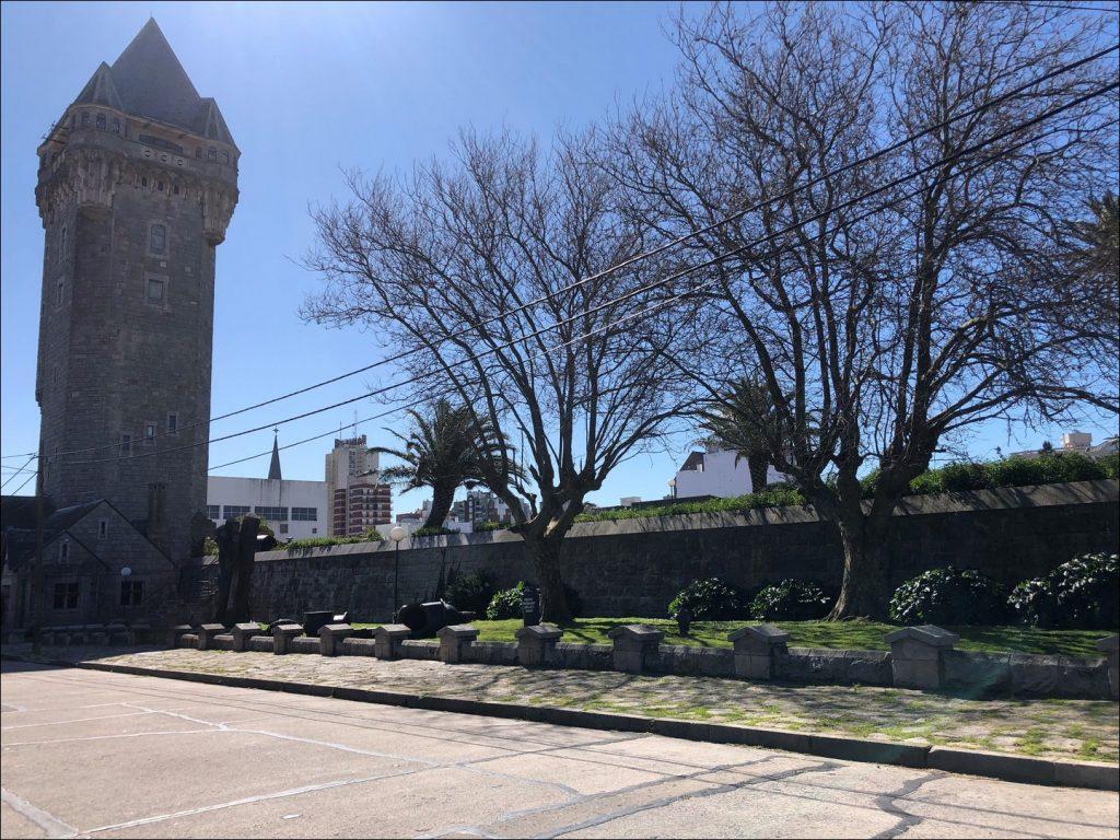 Torre Tanque - Calle Falucho y Mendoza