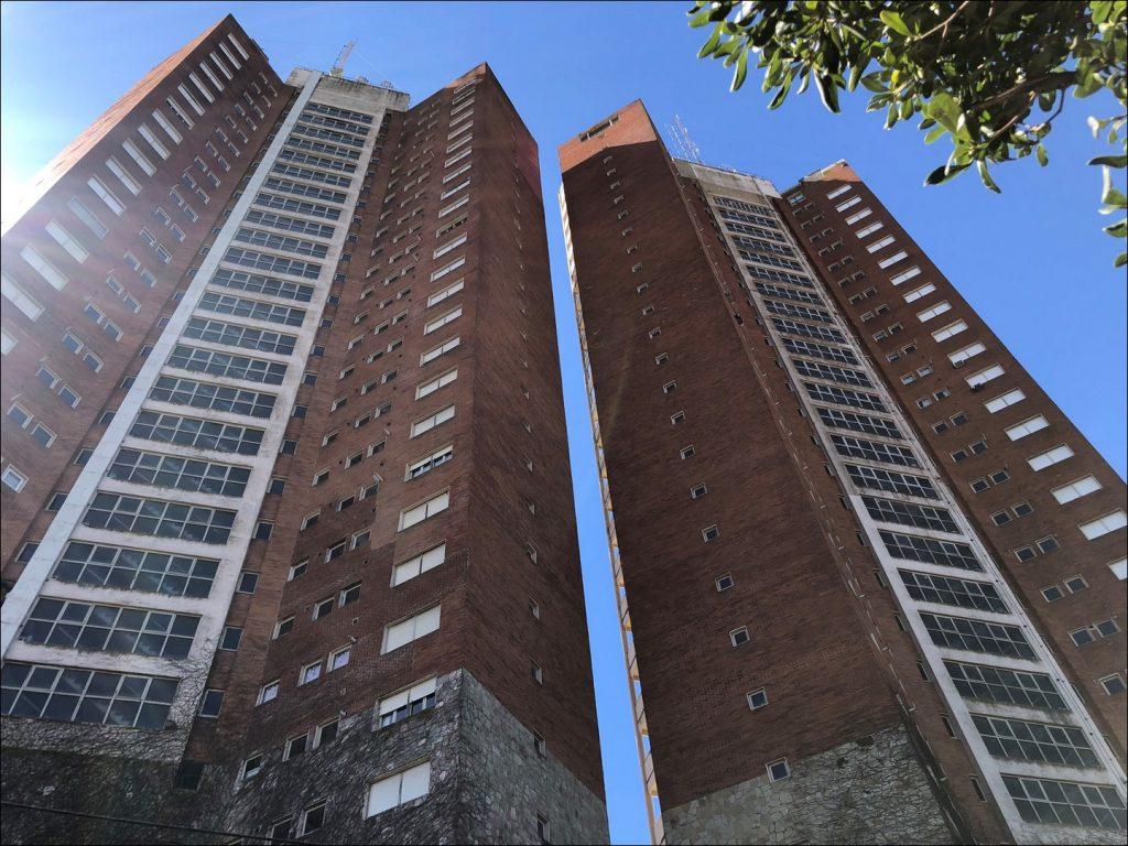 Torres de Manantiales - Alberti y Pellegrini